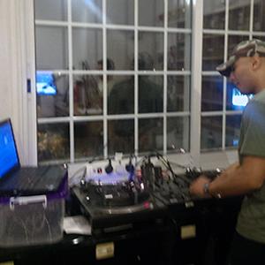 DGibbs - Live DJ Session at Periplaniseis 11-08-2013