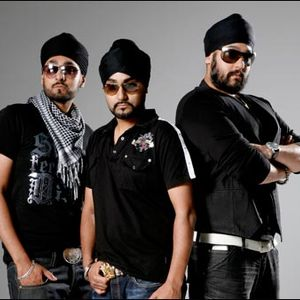 Gtown Desi interview RDB on 'The Weekend Warm-Up'. Fridays 9pm-12 www.AwazFM.co.uk / 107.2 fm