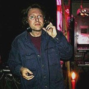Jon Tye (Lo Recordings) DJ Set, recorded 2002, Deconstructed Live http://www.deconstructed.co.uk