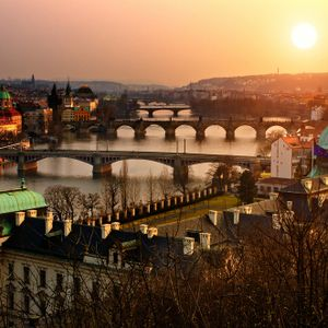 Gabriel Anghel - Evening in Prague (Deep House)