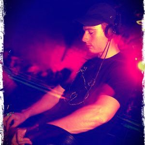 DJ Friction - Essential Mix 16-04-2006 (BBC Radio 1)