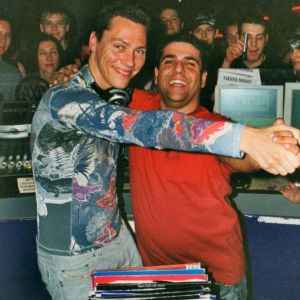 Tiësto - Essential Mix 2001   Broadcasted by: Radio 1 @ BBC
