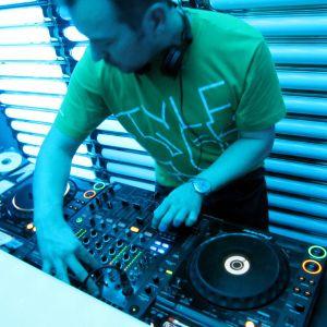Funky House DJ Paul Velocity December 2011
