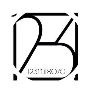 12-3 Mix 070 - Arnheim