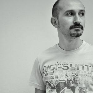 Umut Küçüktomurcuk - DeeProgressive Mission September 2011 Exclusive Mix