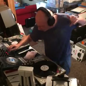 Killer set of mid-late 90s house & prog , all vinyl! Vinyl Pleasure 5-11-17 - tracklist & video too