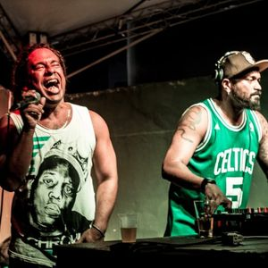 Telefunksoul ft Duda Diamba ao vivo na festa QualPente!!!!