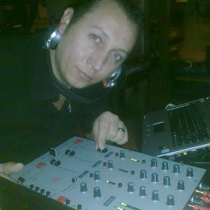 Winter House music {04-12-2010} --mix by dj sionik..!!!