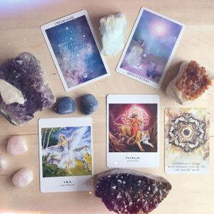 Ep. 38 // Intuition, Tarot, and the Magic of 2017 with Hera Bosley