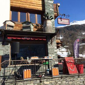 180324 Le Monal Après Ski Terrace Session
