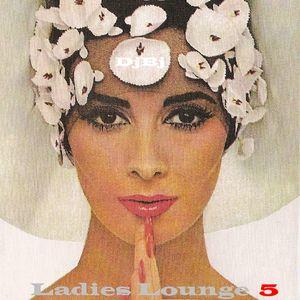 Ladies Lounge 5