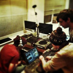"Adifia Productions ""Dj's Zom-B and Cali Salmon"" Live on I.M.P 23/01/13"