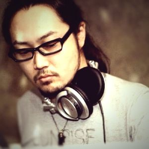 DJ At(BlackRussian) Dj live mix 9/14/2012 @fai ANDNOW!!