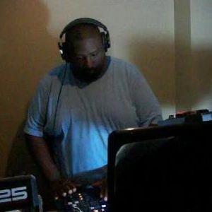 Dj thomas trickmaster e old school vol 5 chi classic for Classic house tracks 90s