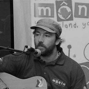 WelshCeltify Keeping The Music Local on Mon FM 13/8/2012