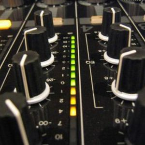 DJ ANDREW  ::  FEEL THAT SOUND