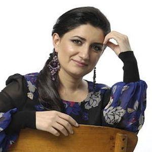 Piratensender / Presented by Ahmet Ögüt / Guest: Pervin Chakar ( Opera Singer)