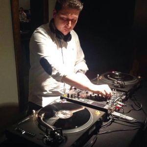 Mix Radio Show semana 24 1ª hora Cala Bassa 2015 According To Dj Vinny Deep