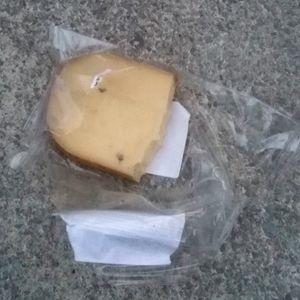 Who got the cheese?! Ein Gespräch über Klassismus und Käse mit Derya Binışık von she*claim