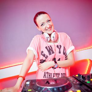 Tina Wonder -  Guest mix for structure (29.04.11)