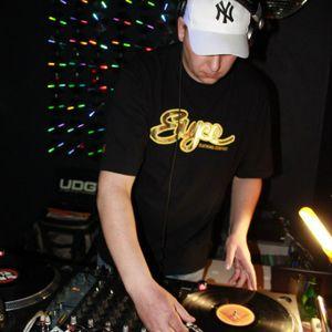 Abnormal @ Glory Day, 29.04.12 / Garage music bar