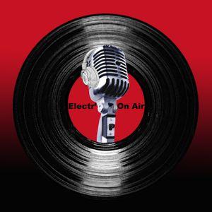 Electron'Air #4 - Chicago VS Detroit by Matteo Le Neveu | Mixcloud