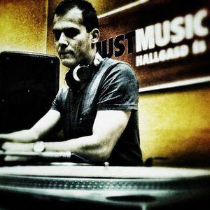 Max Demand (Deep Beep Records) live mix @ Reecords (2012.05.18) (Justmusic.fm)