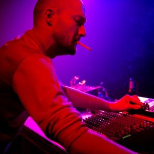 2ª hora ESSENCE of music by Ian De Mar_Locafm 90.4 Especial ( Paul Kalkbrenner ).