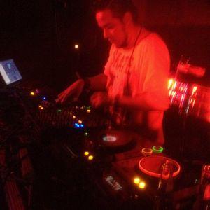 MAXIMA BEAT EN ESPAÑOL BY DJ CAOS