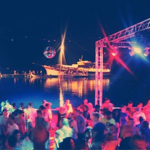 Gavin Kendrick - SuncéBeat 4 Beach Stage - Wed 24th July 2013