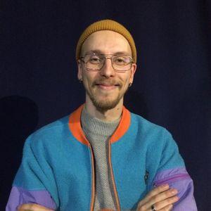 Viihteellä 15.11.2018: E-urheilu ja Ylen urheilutoimittaja Otto Rönkä sekä Sikakippo ja Miku Leppälä