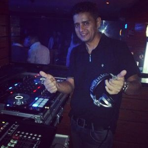 Vincent May in the mix House 2014.mp3(41.9MB)