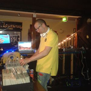 GWF joins Steve Armitage on Funkysential 5th August 2012