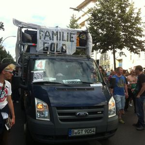 Johannes Trift - Fuckparade 2012 FamilieGold Wagen