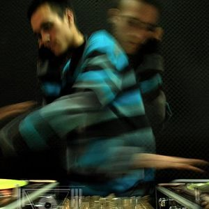 DJ MANIAC en SOTATERRA RADIO 19/04/2011
