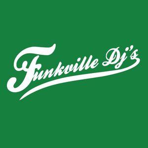 Dj Mathieu playing w/ the Funkville DJ's @ Lips 2
