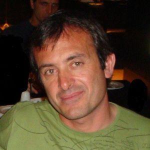 Entrevista a Andres Napoli (Dir Ejecutivo de FARN) Detras De Las Palabras