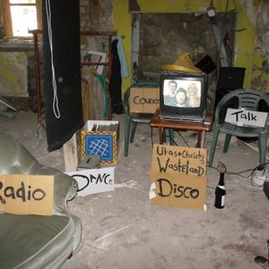 Dancing with Tina (christys and utas first radioshow together 18.05.09)