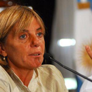 Bloque 1: Adela Segarra (FPV)