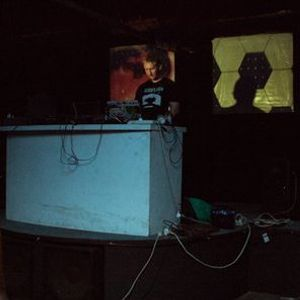 Noistruct - live at Difficult Music Festival Dirty Shirlow's Marrickville Sydney NSW 29/01/11