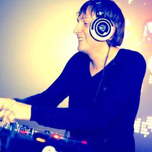 Electricano - live dj set @ Club Essential 2011.12.03