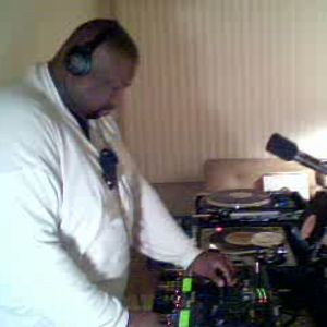 Dj Thomas Trickmaster E..Custom Band Chicago House A Side Mini Mix From The 90s...
