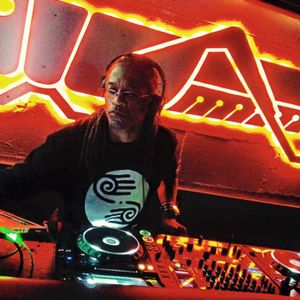 Magic's Neo Soul-R&B Houseoftricks Mix