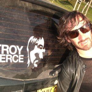 Troy Pierce - Transitions 418 (31-08-2012)