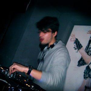 DJ Yeat -  Barfly