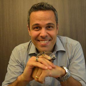 Programa Pode?Cast entrevista escritor Ricardo Mituti