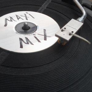 Maxi Cosy August Mixtape