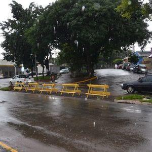 Prefeitura fecha canteiros e muda trânsito na Avenida Loreto.