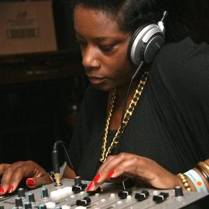 DJ Marcia Carr Soul inSided show 13.08.2012 on Colourful radio