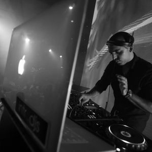 Dj Lior Edri & Nati b Mix House - Set-4(v-9) (Introsdjs.co.il)